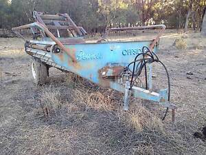 Pearce round bale feedout machine Wunghnu Moira Area Preview