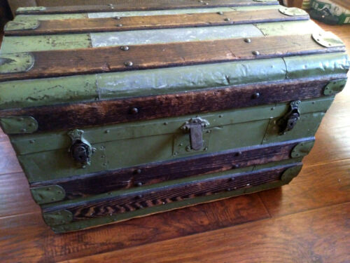 Vintage  Wood  Blanket Chest Trunk, Coffee Table, Antique