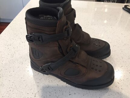 motorcycle boots leather perfect ICON patrol adventure as new
