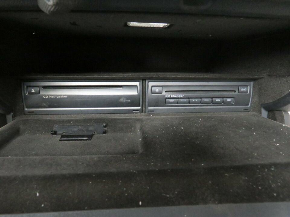 Handschuhfach Navi CD Wechsler Audi A6 4F in Rheinland-Pfalz - Andernach