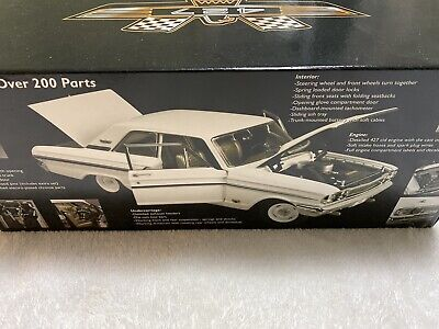 Precision 100 Collection 1:18 Scale 1964 Ford Fairlane Thunderbolt White New Box