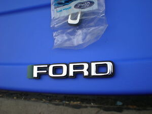 NOS-1979-1982-FORD-MUSTANG-GT-PACE-CAR-NEW-FORD-HATCH-EMBLEM-ORNAMENT-81-80