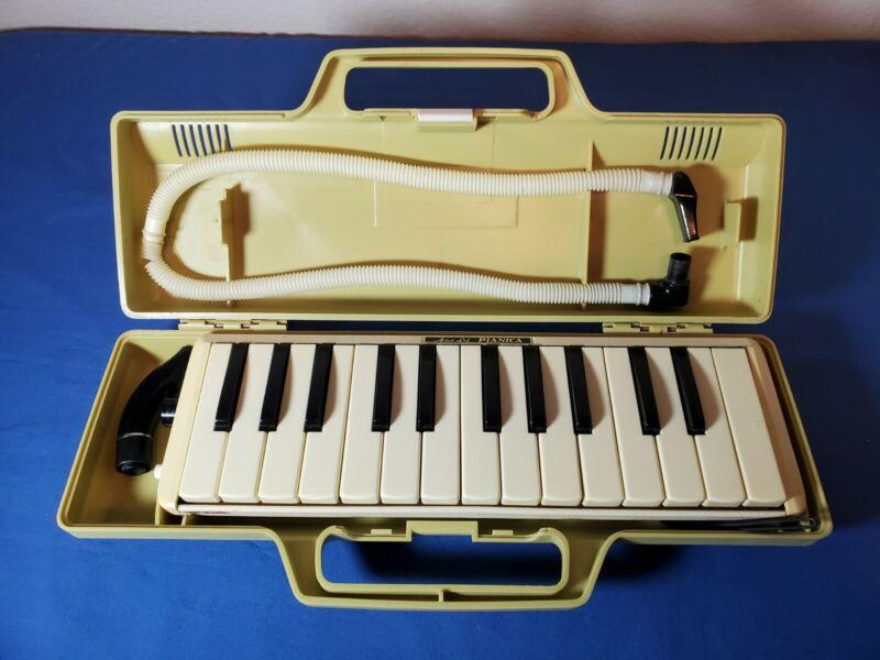 Artist LTD Pianica Melodica w/ Mouthpieces & Original Case VINTAGE
