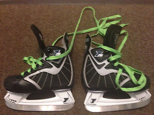 Ferland Size 8 Youth Skates - Excellent Condition