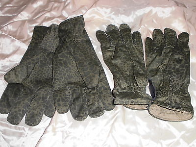 07 : 2 Paar Militär / Armee Winter Handschuhe  ,Fleck Tarnmuster, ungetragen / 2