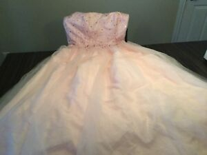 Robe pour plusieurs occasions