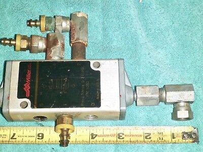 Miller 5252 Pneumatic Control Valve 0-240 Psi