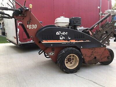 Ditch Witch Trencher 2004 Commercial Vanguard Engine Walk Behind