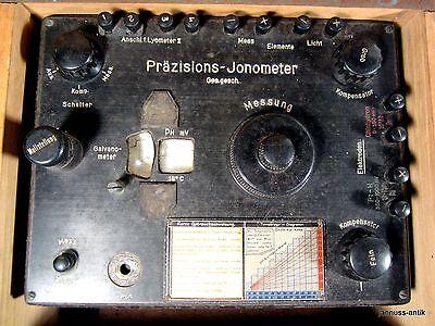 große Holzkiste mit PH Meßgerät Präzisions Jonometer Bakelit