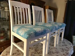 Gorgeous Custom Dining Chair Set. 5 pieces.