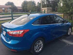 2012  FORD FOCUS SEL-LOW Kms in EXCELLENT SHAPE