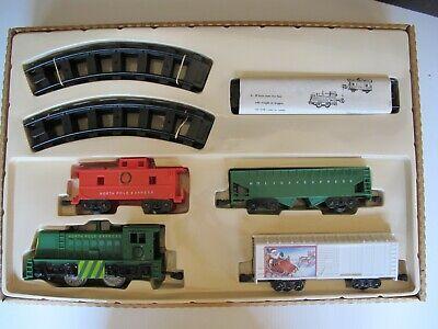 O-GAUGE Santa's Christmas Train MODEL TRAIN SET OB