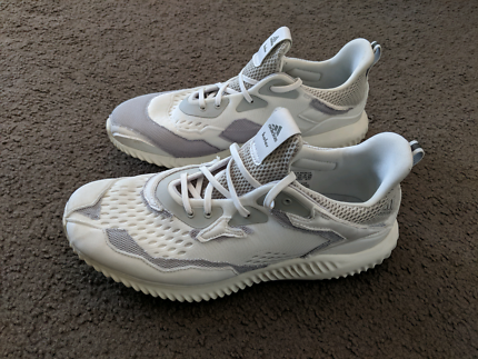 e64b1c5b59f5 ADIDAS BY KOLOR ALPHA BOUNCE US 9.5 (fits closer to a size 9)