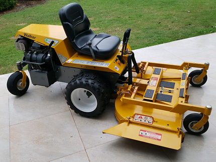 """Walker Mower Only 147 hrs, 48"""" Cut, Can freight anywhere"""
