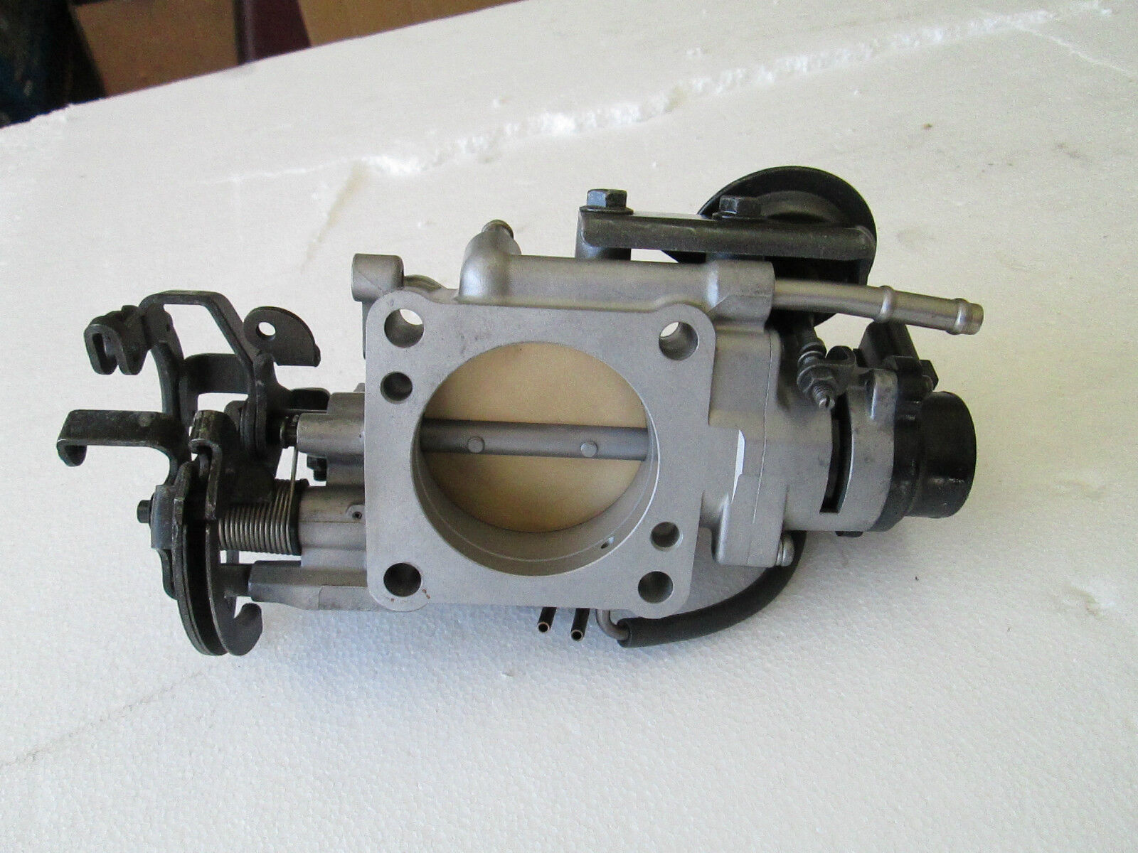 92 93 Es300 Camry Throttle Body 30l V6 Ebay 1993 Toyota Engine Parts Diagram This Item Fits On A Lexus Tps Sensor In Very Good Working Condition Like New