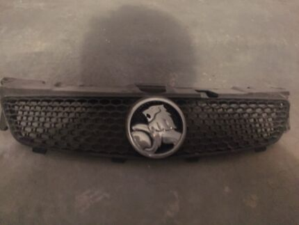 Ve commodore Holden grille sv6 ss Newcastle 2300 Newcastle Area Preview