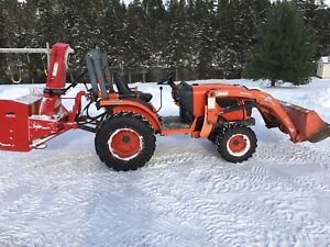 Kubota B2320 compact tractor with snow blower