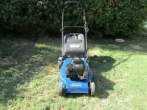 LAWN MOWER  G M C  4 ST BRIGGS & STRATTON ENGINE 4 BLADES Como South Perth Area Preview