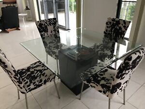 8 seater dining table n 4 chairs