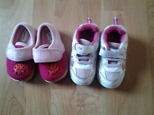 size 6 sneakers and slippers