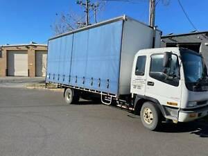 Isuzu 8 Pallet Truck