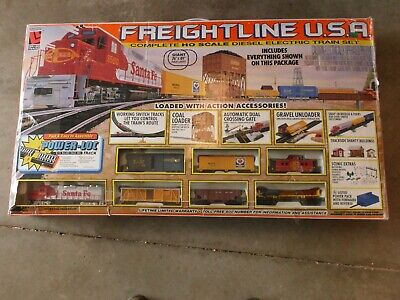 Vintage Life-Like HO Scale Electric Train Set, Santa Fe Track + Tyco-Extras