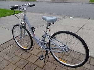 Specialized ladies Globe Hybrid Mountain Bike Aberfoyle Park Morphett Vale Area Preview