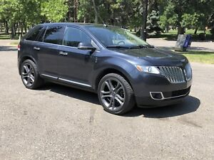 Loaded 2013 Lincoln MKX AWD  - - NO GST