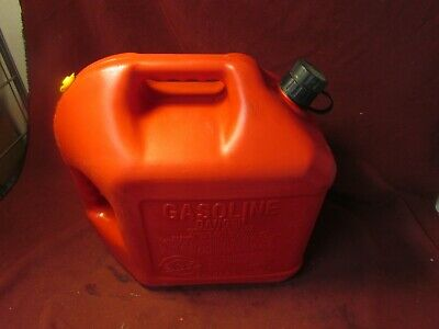 Blitz 5 Gallon 18.9l Plastic Gas Can Vented Pullout Spout Usa Made