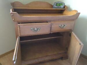 Dresser, Roxton dry sink.