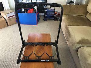 QuikLok 3 guitar stand
