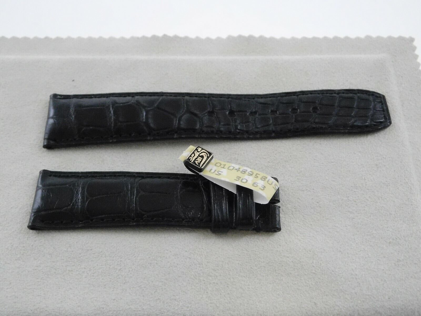 Neu  Baume & Mercier Original echt Louisiana ALLIGATOR Armband schwarz 20-18mm
