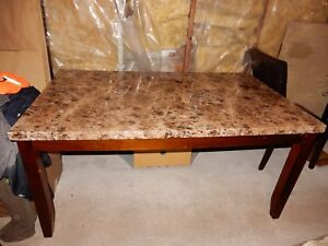 Very Classy Medium Large Dining Table 5 Piece Set W Chairs