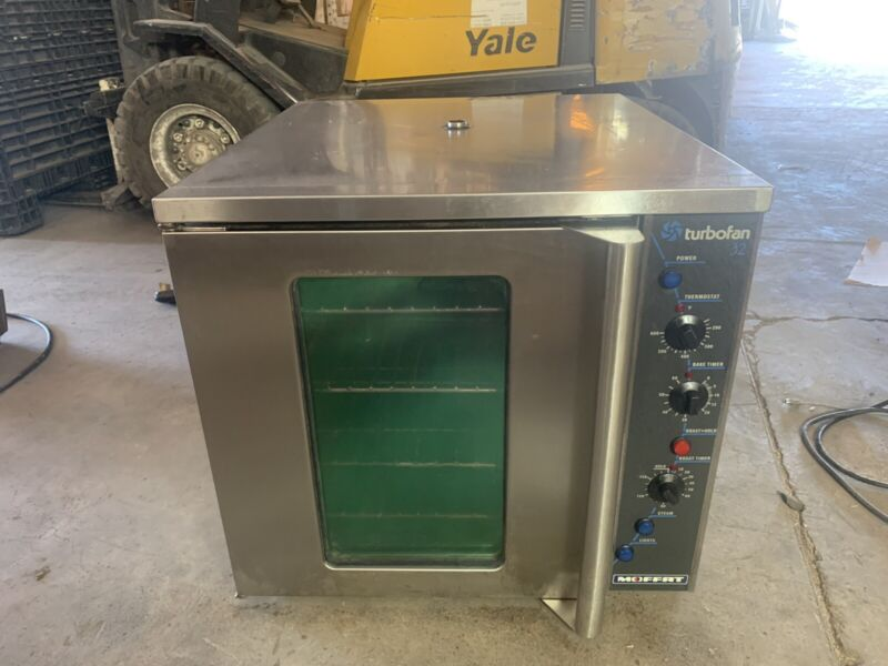 Moffat E32MS Full-Size Electric TurboFan 32 Convection Oven USED