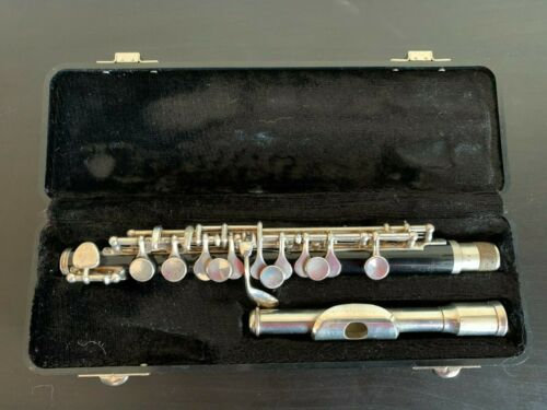 Yamaha YPC 32 Piccolo Great Condition