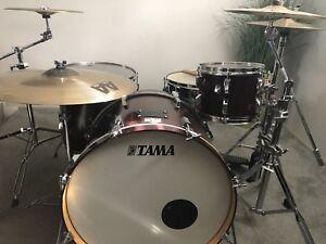 Batterie / Drum avec 5 cymbales Sabian AAX-AA