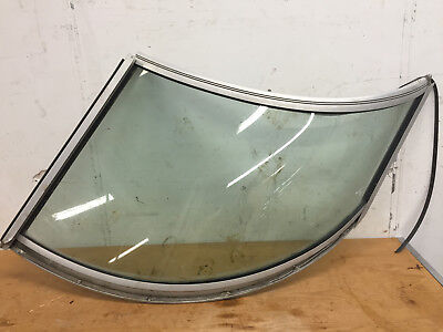 * 2003 Wellcraft 3000 Martinique Left Side Curved Glass Windshield