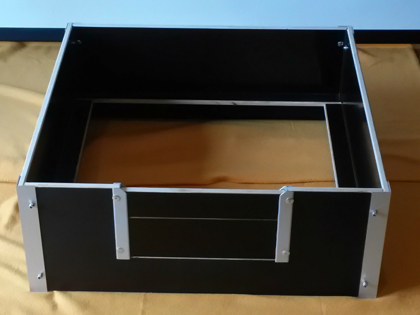 wurfbox welpenbox wurfkiste welpenkiste siebdruck. Black Bedroom Furniture Sets. Home Design Ideas