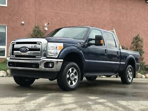 2014 Ford F-250 XLT 6.2L V8 4x4 W/Airbags + Toolbox Fully In XLT