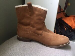 Suede old navy boots size 10