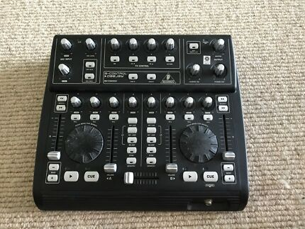Behringer BCD 3000 DJ Controller and Audio Interface