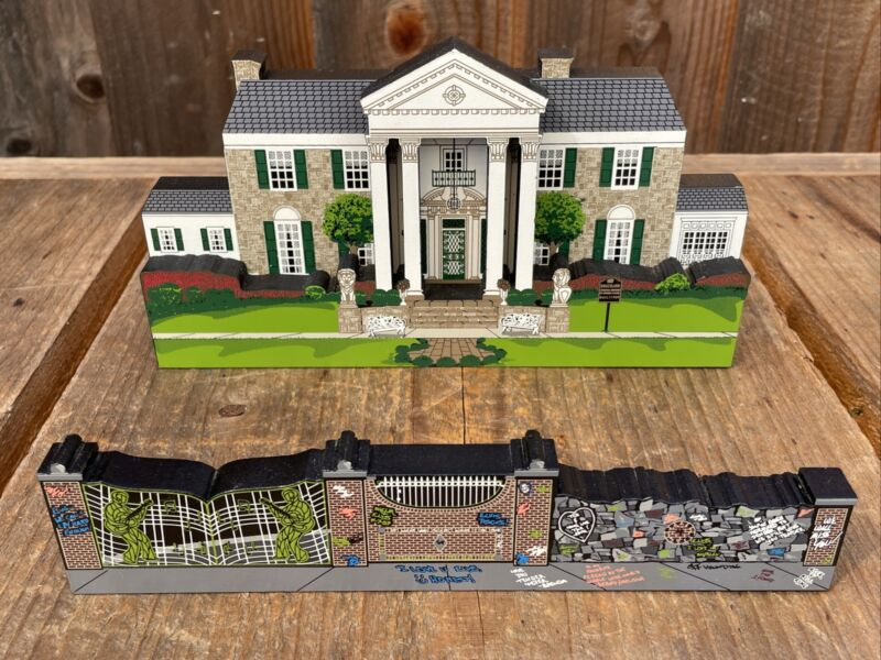 Shelia's Collectibles Wooden House Elvis Presley