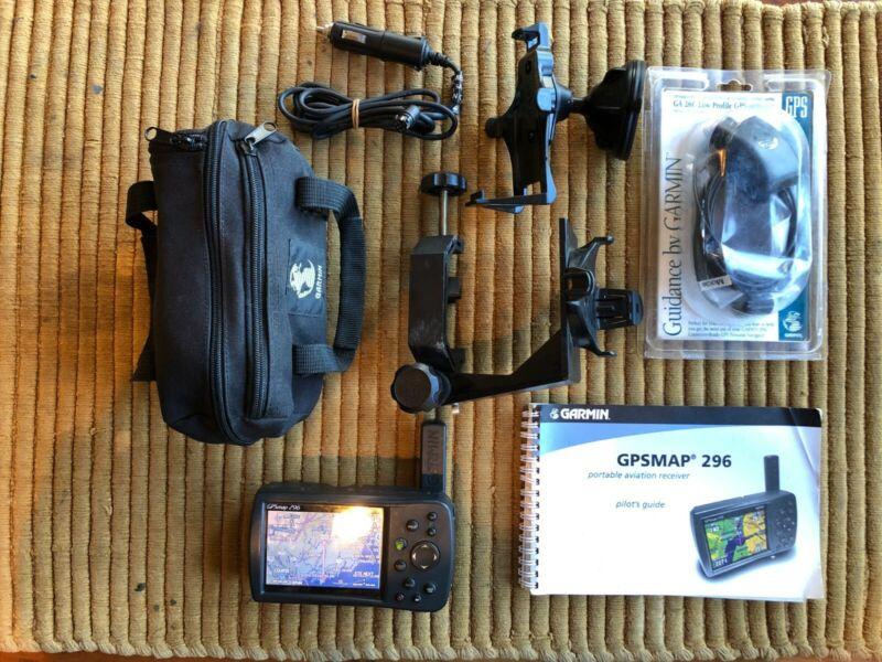 Garmin GPSMap 296; suction & aviation yoke mounts, antenna extender, 2DCchargers
