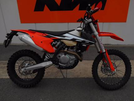 2017 KTM 450 EXC (Only 27 hours)