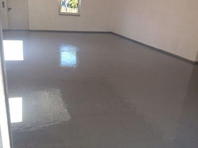 Bodenbeschichtungsset/SET/Beschichtung+Walze+Dekochips Schwarz-Weiß/RAL 7001
