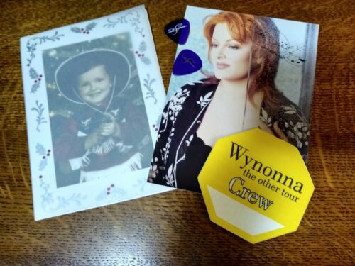 WYNONNA JUDD Christmas Card, Backstage Pass, Guitar Picks, more RARE AUTHENTIC