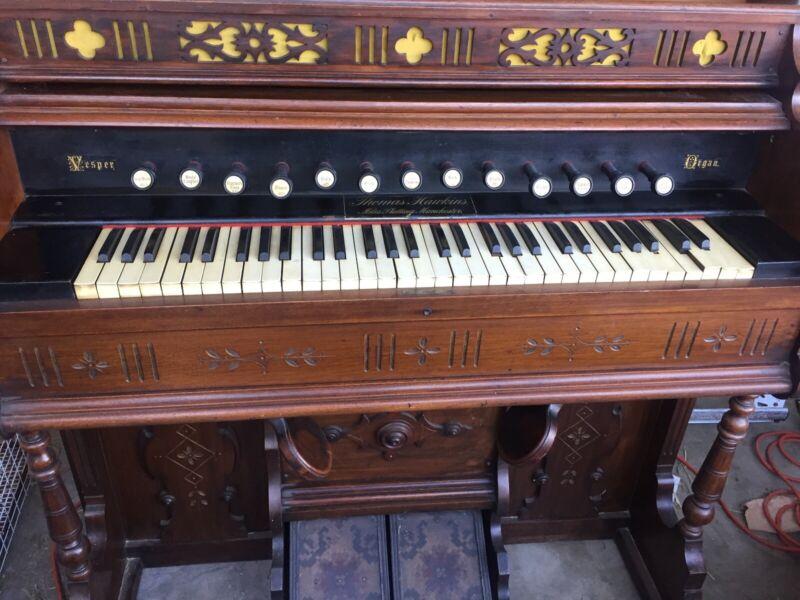 Vintage Vesper Pump Organ - Antique