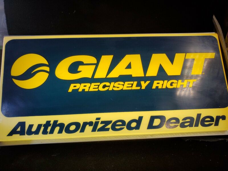 """Vintage Giant Bicycles 2 Sided Authroized Dealer Lighted Sign 12""""×25"""""""