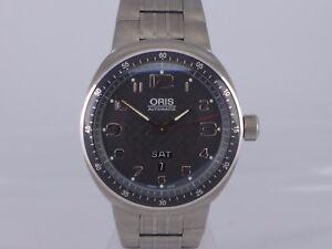 Swiss Oris TT3 black dial auto Date Day titanium bracelet dressing watch 7589