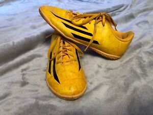 Adidas indoor soccer shoes size 4